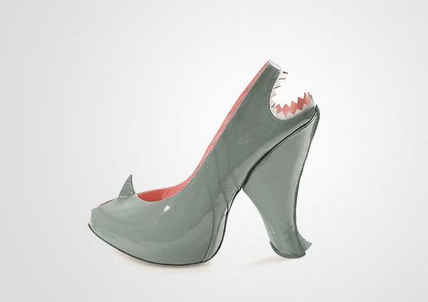 zapatos tacon forma de tiburon