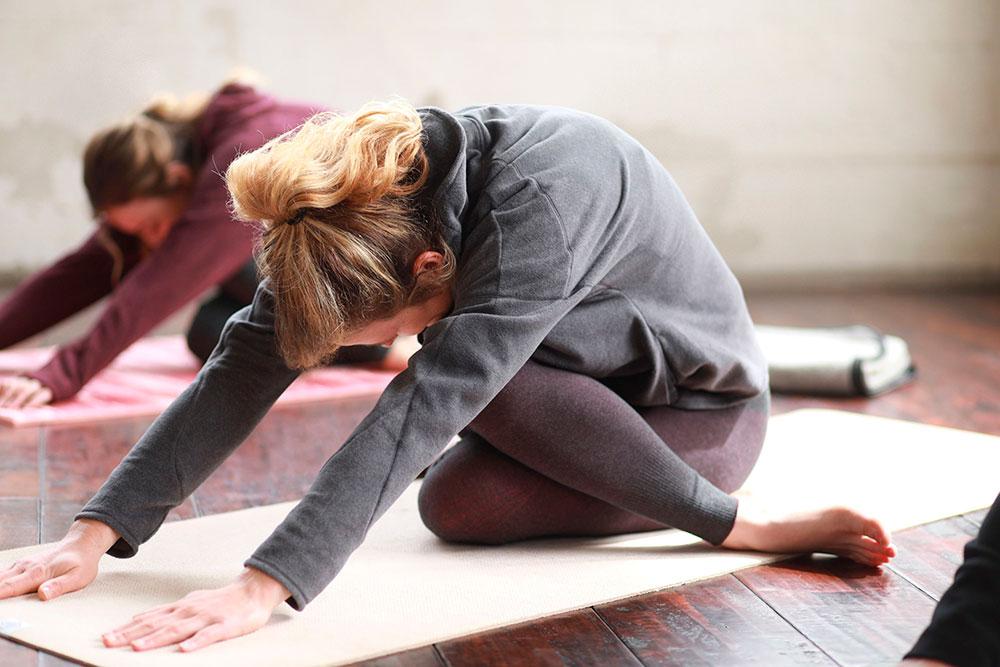 sudadera practicar yoga